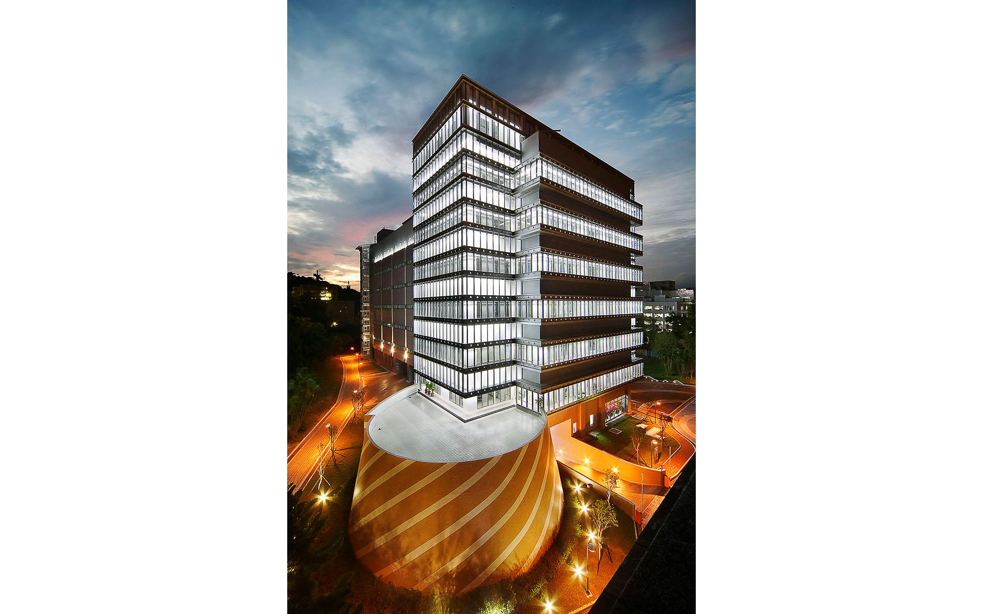 南港中央研究院基因與蛋白體研究大樓