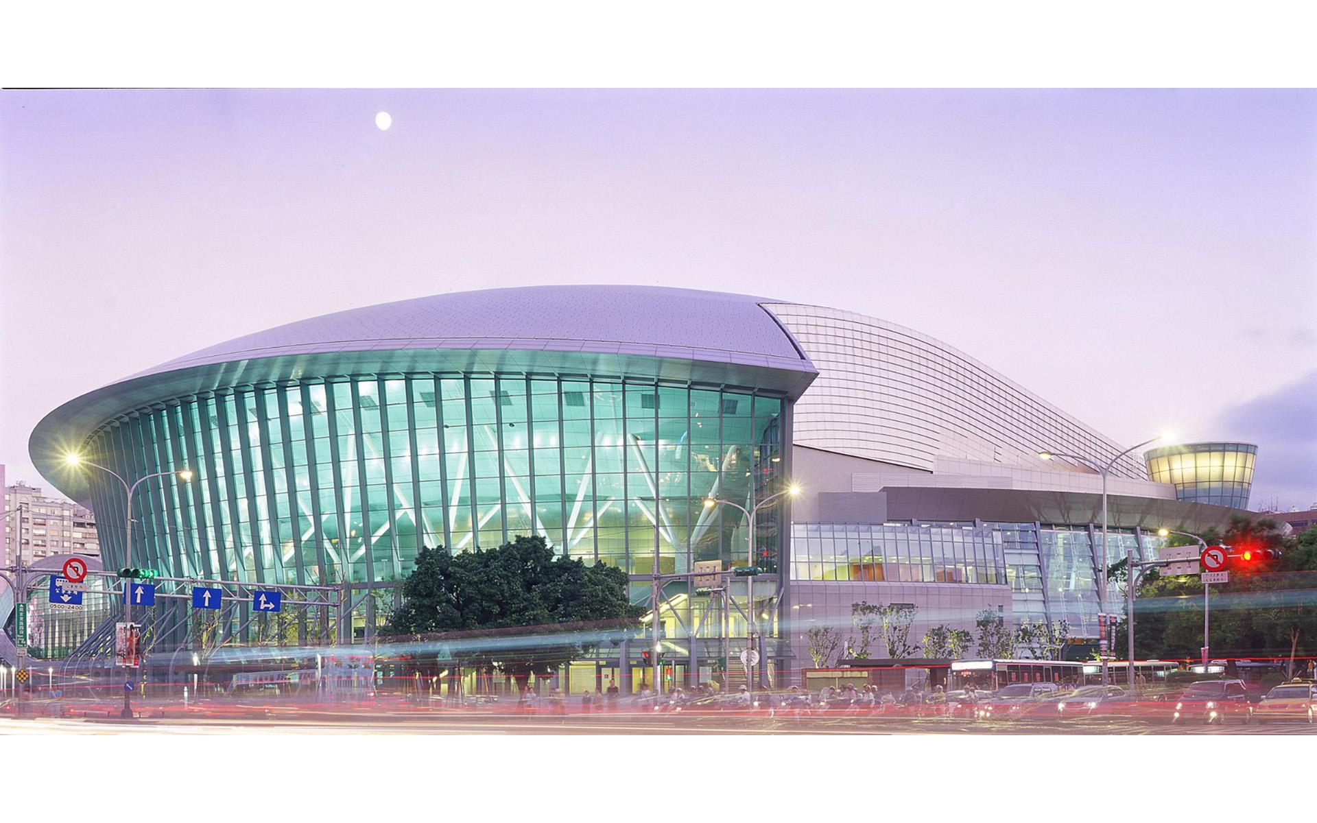 台北市立多功能體育館(台北小巨蛋)