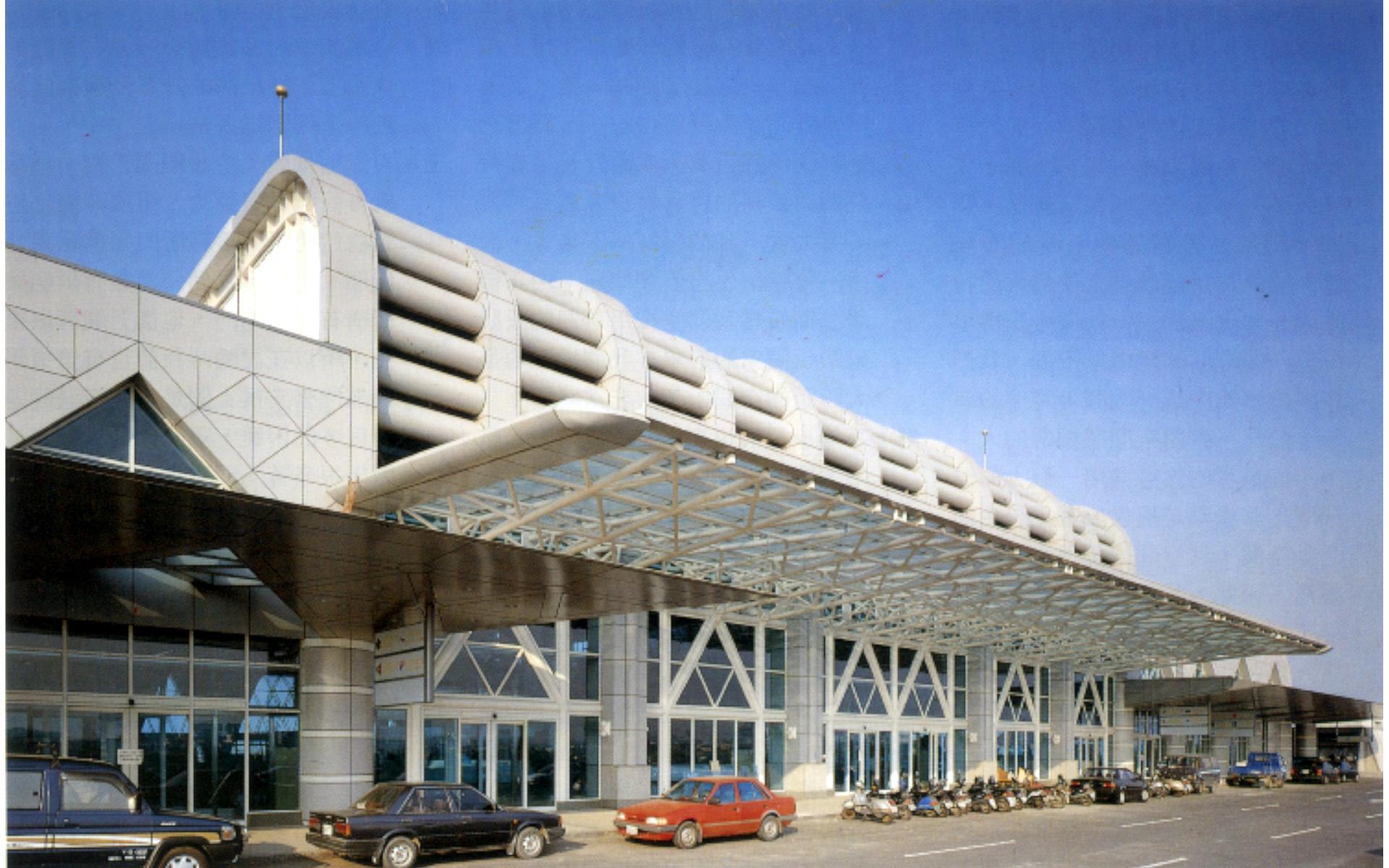 高雄小港機場增建